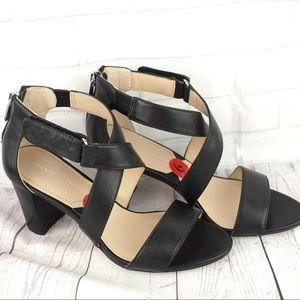 Adrienne Vittadini Gadim sz 6 black leather heels